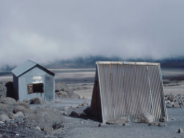 11.12.1985 - Kibo hut – The last tin huts .
